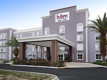 hom hotel + suites, Trademark Collection by Wyndham