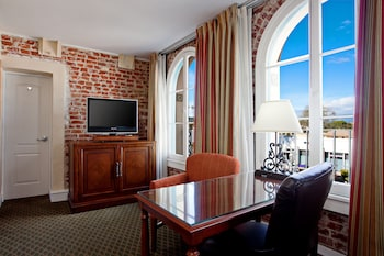 Room, 2 Queen Beds, Non Smoking (Wheelchair, Roll-In Shower)
