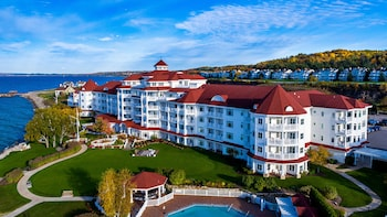 Hotel - Inn at Bay Harbor, Autograph Collection