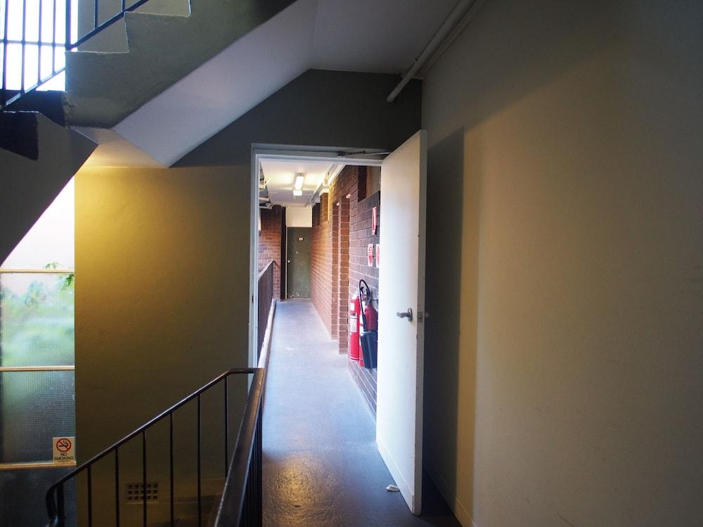 시티 크라운 모텔(City Crown Motel) Hotel Image 14 - Hallway