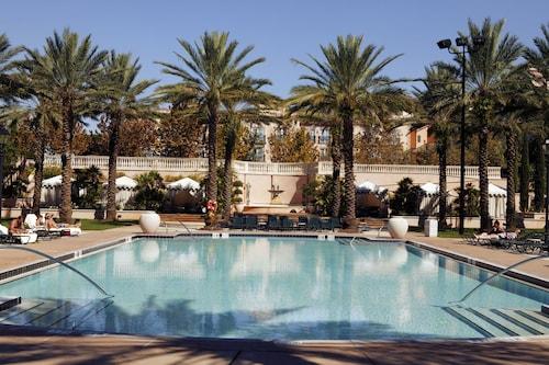 Universal's Loews Portofino Bay Hotel image 13