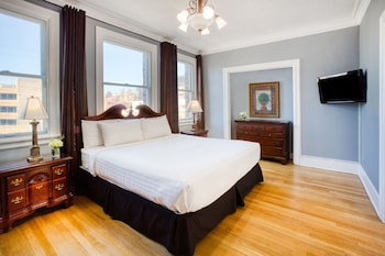 Suite, 1 King Bed (Queen Anne)