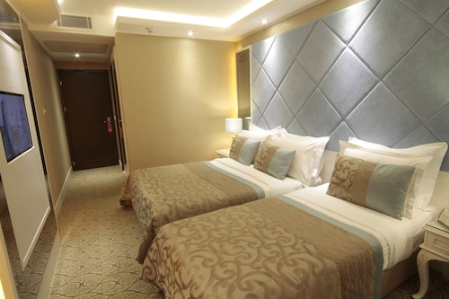 Black Bird Hotel, Fatih