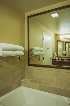 Guestroom at Scottsdale Marriott at McDowell Mountains in Scottsdale