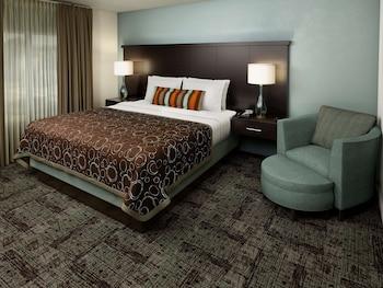 Deluxe Room, 1 Queen Bed (Studio)