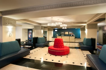 Lobby at Courtyard by Marriott Fort Worth Downtown/Blackstone in Fort Worth