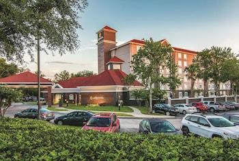 奧蘭多中央佛羅里達大學溫德姆拉昆塔套房飯店 La Quinta Inn & Suites by Wyndham Orlando UCF