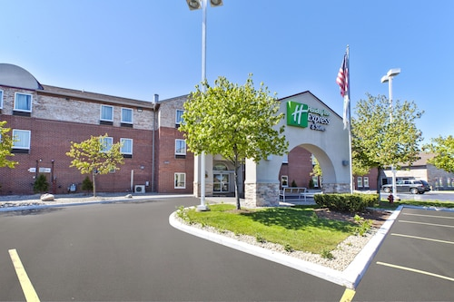 . Holiday Inn Express Hotel & Suites Benton Harbor, an IHG Hotel