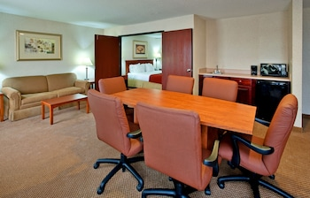 Executive Suite, 1 King Bed, Non Smoking (One-Bedroom)