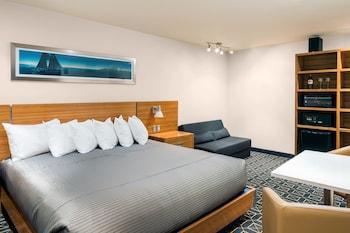King Cabin Room