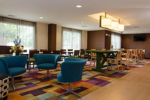 . Fairfield Inn by Marriott Hartsville