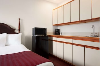 Suite, Multiple Beds, Non Smoking (Two-Bedroom)