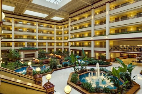 . Embassy Suites by Hilton Lexington/UK Coldstream