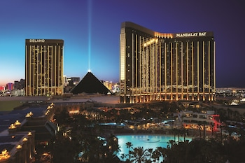 Hotel - Mandalay Bay Resort And Casino