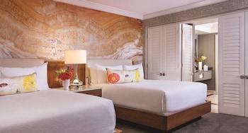 Resort Accessible Queen