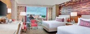 Resort Two Queen Strip View
