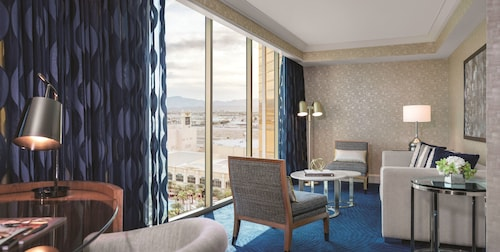 Mandalay Bay Resort And Casino image 19