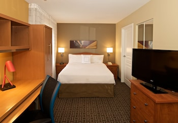 Towneplace Suites By Marriott Seattle Southcenter - Living Area  - #0
