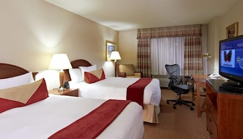 Business Room, 2 Queen Beds, Accessible (Mobility, Roll-in Shower)