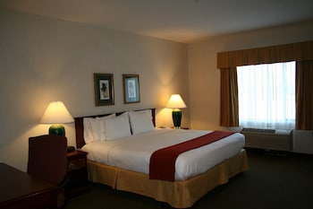 Hotel - Evergreen Inn and Suites