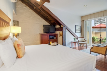Room, 1 King Bed, Non Smoking, Balcony (Private)