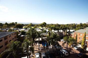 Adelaide Meridien Hotel & Apartments - Aerial View  - #0