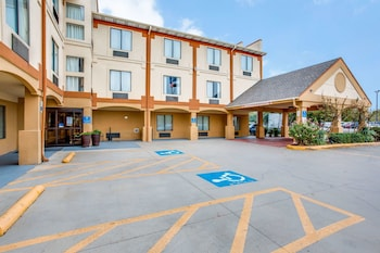 Hotel - Comfort Inn & Suites Love Field - Dallas Market Center