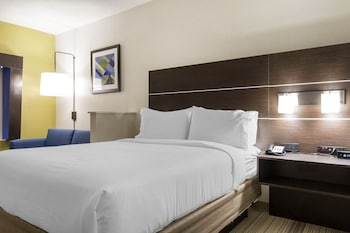 Suite, 1 King Bed, Accessible (Comm, Mobil Tran Shwr)