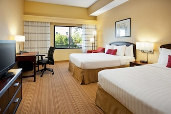 Guestroom at Courtyard by Marriott Las Vegas Summerlin in Las Vegas