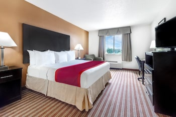 Hotel - Days Inn & Suites by Wyndham Dallas
