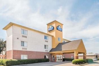 Exterior at Days Inn & Suites by Wyndham Dallas in Dallas