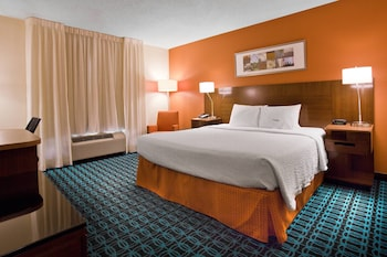 Guestroom at Fairfield Inn By Marriott Savannah Airport in Savannah