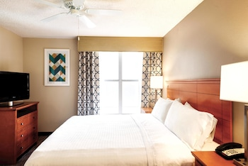 Guestroom at Homewood Suites by Hilton Orlando-Int'l Drive/Convention Ctr in Orlando