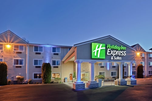 . Holiday Inn Express & Suites Burlington