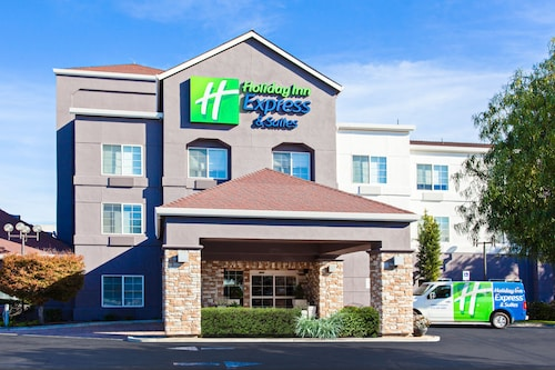 . Holiday Inn Express Hotel & Suites Oakland-Airport, an IHG Hotel