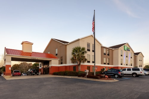 . Holiday Inn Express Hotel & Suites Milton East I-10, an IHG Hotel