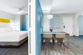 Family Suite, 2 Bedrooms, Accessible (Tub)