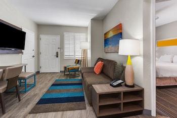 Guestroom at Holiday Inn Resort Orlando Suites - Waterpark in Orlando
