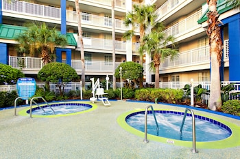 Orlando Vacations - Holiday Inn Resort Orlando Suites - Waterpark - Property Image 7