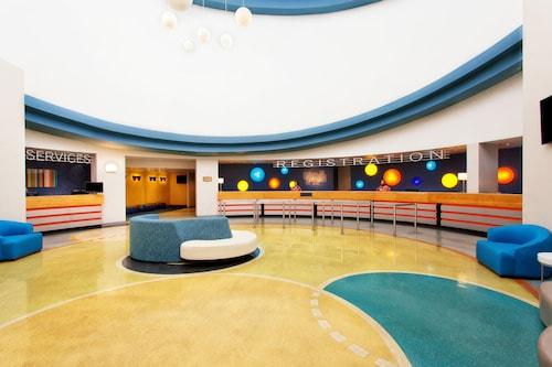 Holiday Inn Resort Orlando Suites - Waterpark image 2