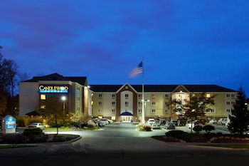 Hotel - Candlewood Suites Cleveland-North Olmsted