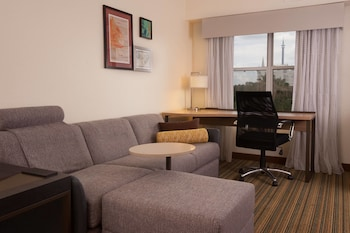 Guestroom at Residence Inn by Marriott Orlando Convention Center in Orlando