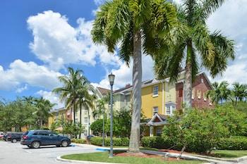 邁阿密湖萬豪廣場套房飯店 TownePlace Suites By Marriott Miami Lakes
