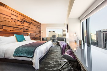 Fantastic Room, Studio Suite, 1 King Bed, City View, Corner
