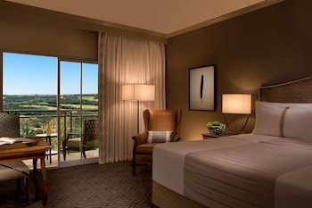 Deluxe Room, 1 King Bed, View (Hill Country View)