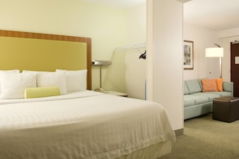 Guestroom at SpringHill Suites by Marriott Convention Center/I-drive in Orlando