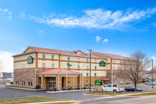 . La Quinta Inn & Suites by Wyndham Rockford