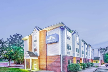 Microtel Inn by Wyndham Newport News Airport