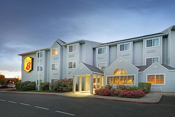 Hotel - Super 8 by Wyndham Sacramento North