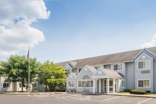 . Microtel Inn & Suites by Wyndham Seneca Falls